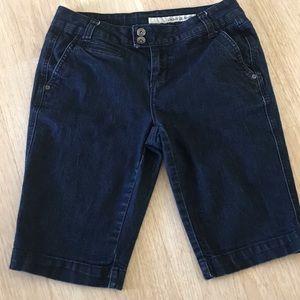 Sz 4 DKNY Denim shorts